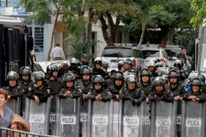 policias-marcha-mexico